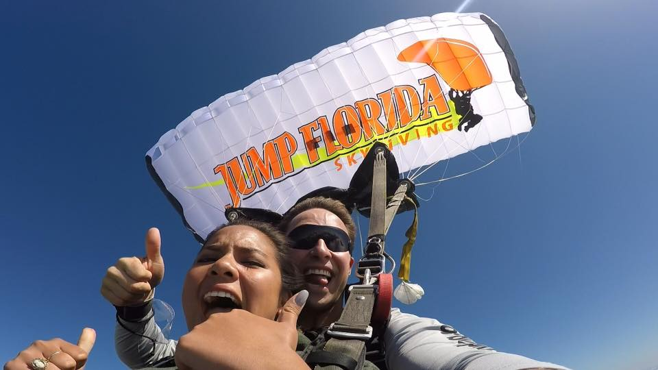 thumbs up for tampa sky diving