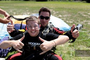 there will be a last flag by the pilot that implies you should venture to the entryway and be prepared to jump in Florida Tandem Skydive